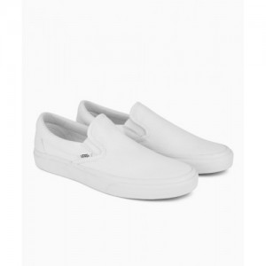 94c40af9c7 Buy latest Men s Casual Shoes from Vans online in India - Top ...