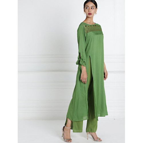all about you by Deepika Padukone Women Green Woven Design Embroidered Straight Kurta