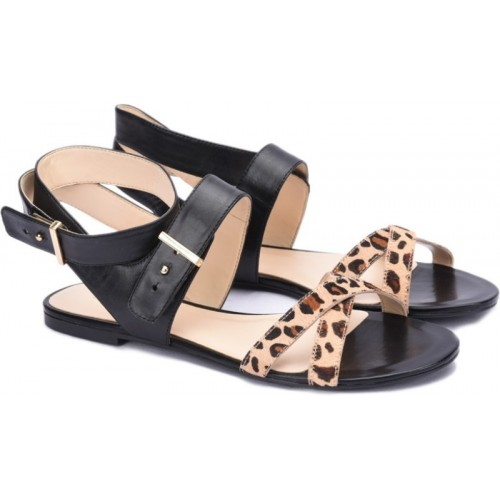 b6f8104c99d4 Buy Nine West Women Black Flat Sandal online