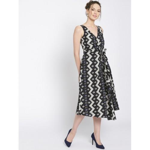 7ce89bd0bd2b Buy MANGO Women Black   Off-White Printed Midi Wrap Dress online ...