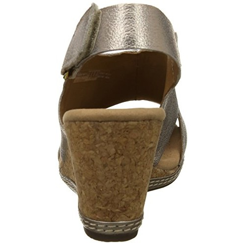 Clarks Women's Golden Leather Fashion Sandals