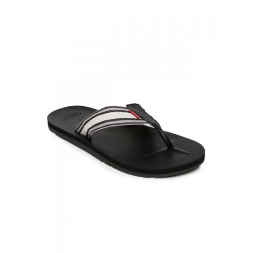b47103d44e80 Buy Levis Men Black Flip Flop online