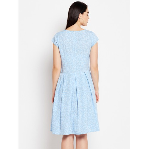 WISSTLER Women Blue & White Printed Fit and Flare Dress
