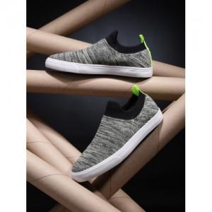1c68ccd31 Kook N Keech Men Grey Solid Slip-On Sneakers