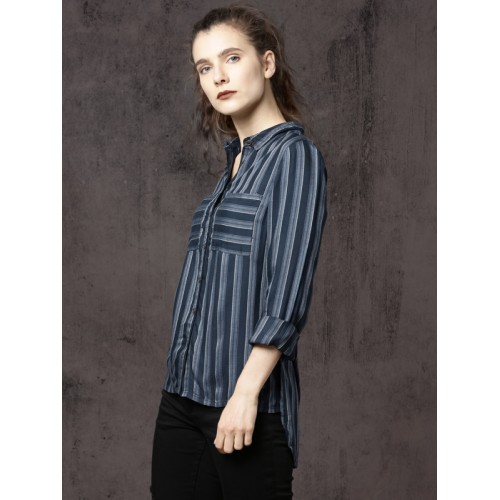Roadster Women Navy & Off-White Regular Fit Striped Casual Shirt