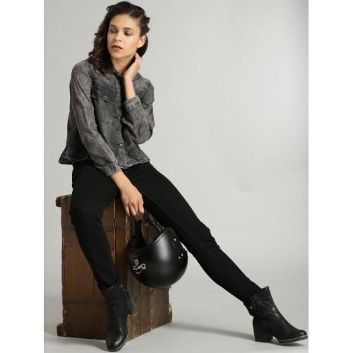 Roadster Time Travlr Women Black Regular Fit Faded Chambray Casual Shirt