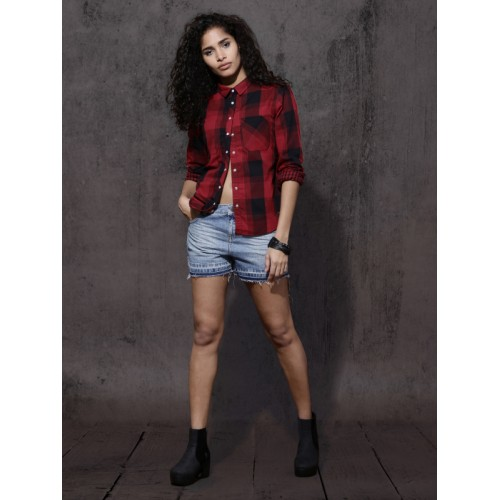 Roadster Women Red & Black Regular Fit Reversible Checked Casual Shirt
