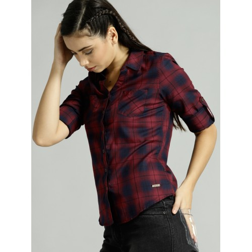 Roadster Women Maroon & Navy Blue Checked Casual Shirt