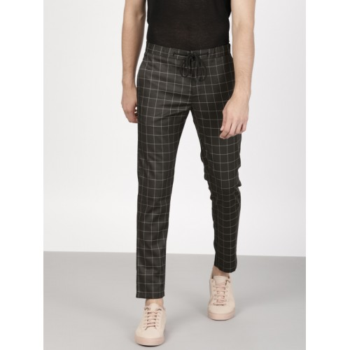ether Men Black Slim Fit Checked Cropped Trousers