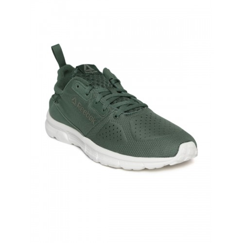 9b018be7f27f33 Buy Reebok Men Green Aim MT Running Shoes online