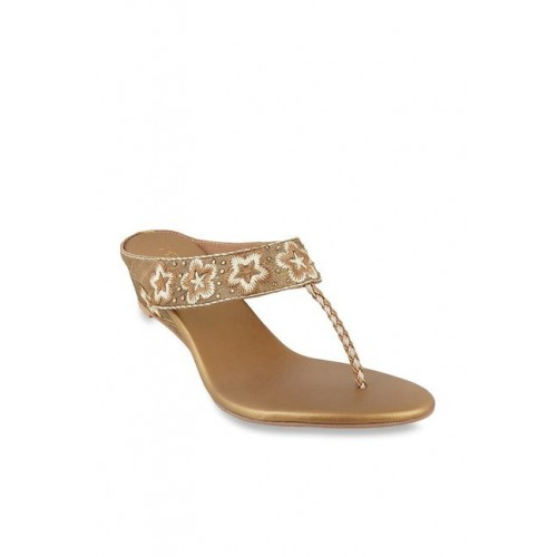 1f934efa4e2bbd Buy Metro Antique Gold T-Strap Wedge Chappal online