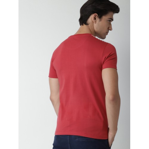 INVICTUS Men Red & White Striped Round Neck T-shirt