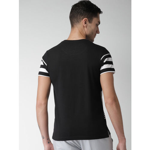 Men Black Striped Round Neck T-shirt