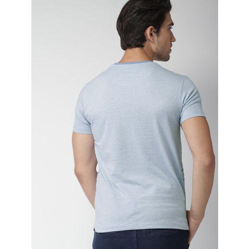 INVICTUS Men Blue & White Striped Round Neck T-shirt