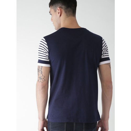 Men White & Navy Blue Striped Round Neck T-shirt