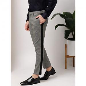 INVICTUS Men Grey & Black Slim Fit Self Design Formal Trousers