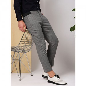 INVICTUS Men Charcoal Grey & Black Slim Fit Checked Formal Trousers