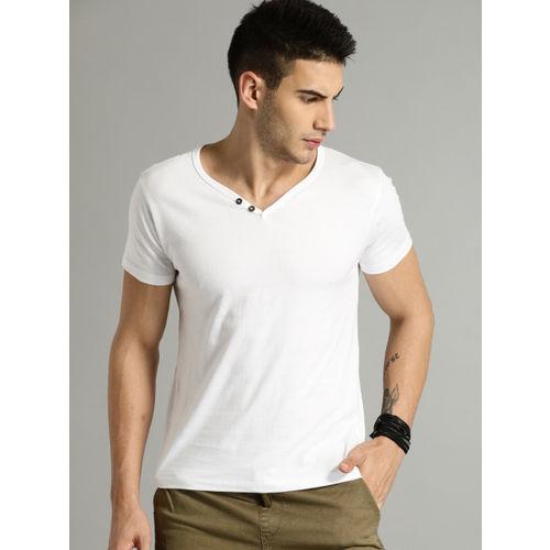 9385a92a02cf Buy Roadster White Solid Regular Fit V Neck T-Shirt online | Looksgud.in