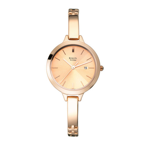 Titan Raga Women Gold-Toned Analogue Watch 2578WM01
