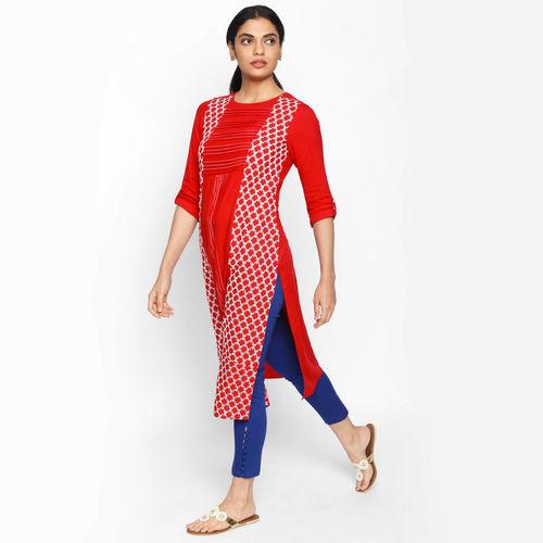 naari NAARI Women's Red Embroidered Rayon Stitched Kurti