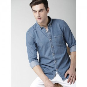 Mast & Harbour Men Blue Slim Fit Solid Chambray Casual Shirt