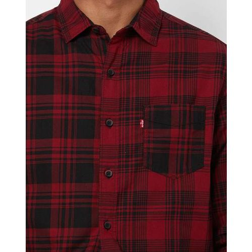 Levis Men Red & Black Regular Fit Checked Casual Shirt