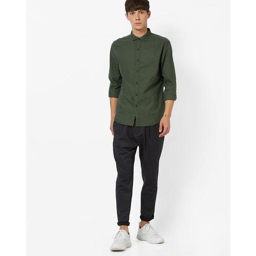 Levis Men Green Slim Fit Solid Casual Shirt