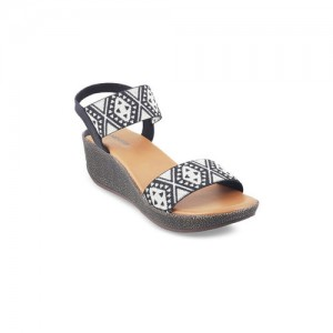 6b07ed649aa3 Buy latest Women s Sandals from Mochi On Jabong online in India ...