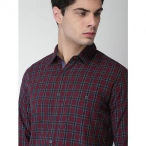 Harvard Men Maroon Regular Fit Checked Casual Shirt