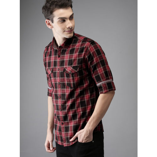 HERE&NOW Men Red & Black Regular Fit Checked Casual Shirt