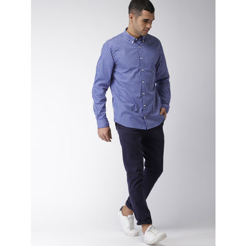 Tommy Hilfiger Men Blue & White Regular Fit Striped Casual Shirt