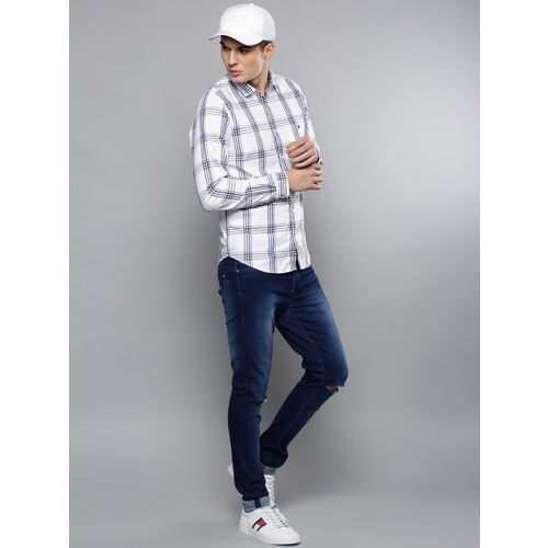 Louis Philippe Sport Men White & Navy Blue Super-Slim Fit Checked Casual Shirt