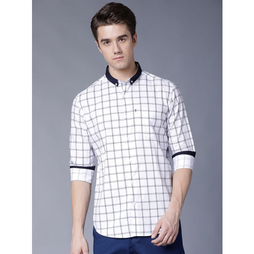 Black coffee Men White & Navy Blue Slim Fit Checked Casual Shirt