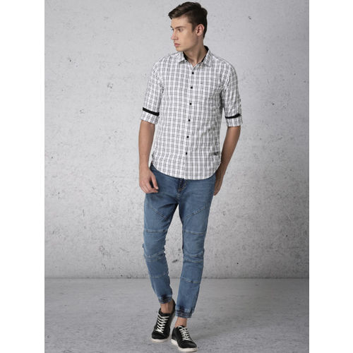 Ecko Unltd Men White & Black Slim Fit Checked Casual Shirt