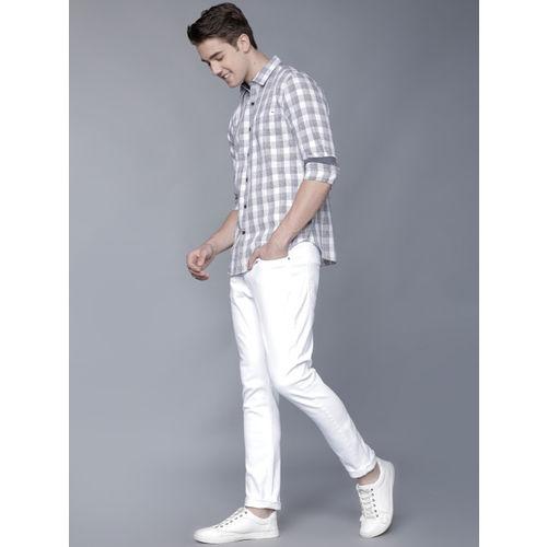 LOCOMOTIVE Men White & Black Slim Fit Checked Casual Shirt
