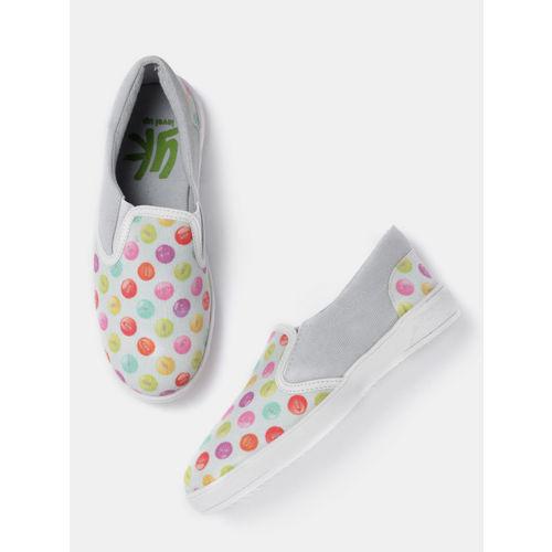 YK Girls Grey Printed Slip-On Sneakers