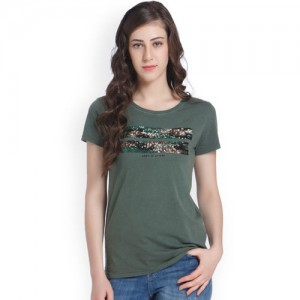 b8ac84014168b Buy American Crew Women s Polo Collar Solid With Applique T-Shirt ...