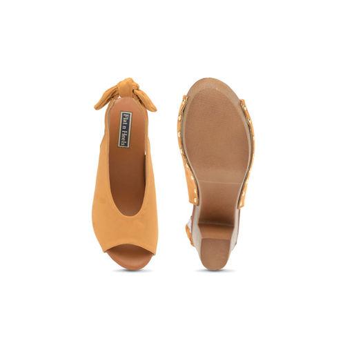 Flat n Heels Women Tan Solid Suede Sandals