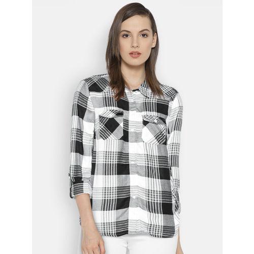 Vero Moda Women Black & White Regular Fit Checked Casual Shirt