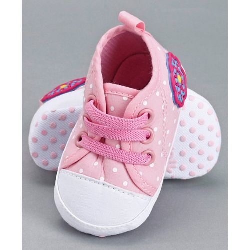 Cute Walk by Babyhug Booties - Pink