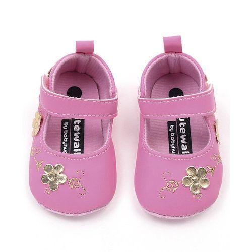 Cute Walk by Babyhug Booties Floral Embellishment - Pink