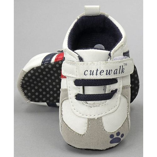 Cute Walk by Babyhug Booties - Grey