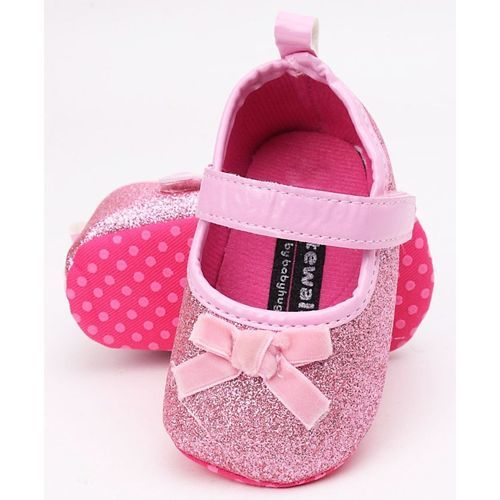 Cute Walk by Babyhug Glittery Booties Bow Applique - Pink