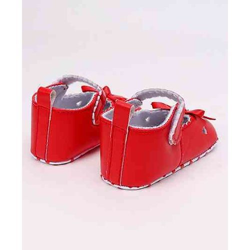 Cute Walk by Babyhug Booties Bow Applique - Red
