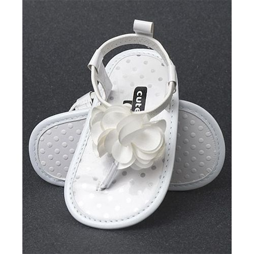 Cute Walk by Babyhug Slip On Booties Floral Applique - White