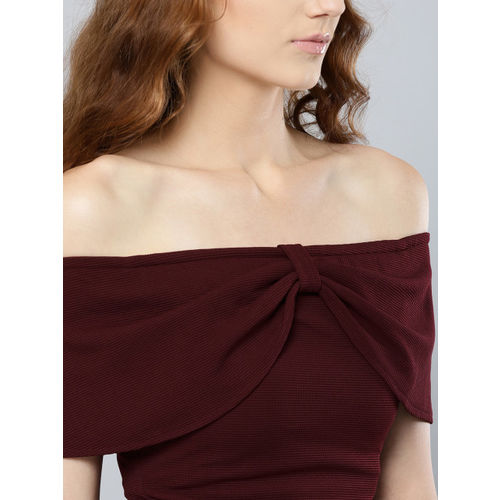 Veni Vidi Vici Women Burgundy Solid Bardot Crop Top