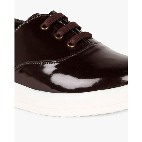 AJIO Lace-Up Casual Shoes