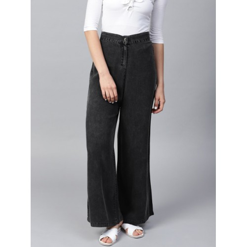 SASSAFRAS Women Charcoal Grey Solid Denim Parallel Trousers