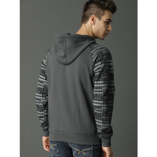 Roadster Men Grey Printed Hooded Sweatshirt