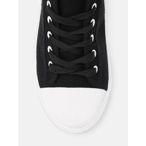 Kook N Keech Men Black Sneakers